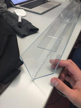 finger zusammengeklebt mit sekundenkleber